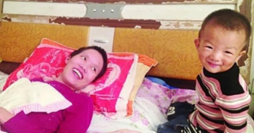 Sin poljupcima probudio paraliziranu majku iz kome