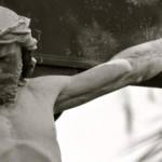 Peto otajstvo: Isus raspet umire na križu