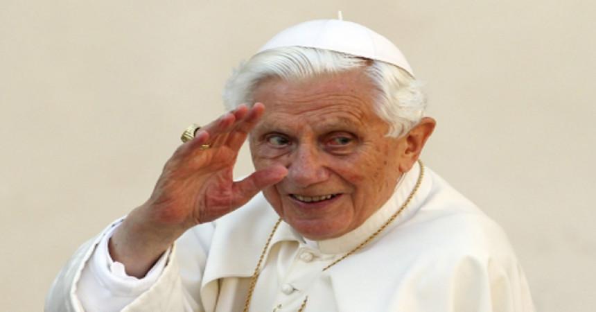 VIDEO: Dirljivi trenuci pape Benedikta XVI.