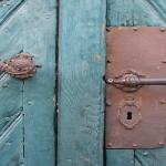Iza zaključanih vrata