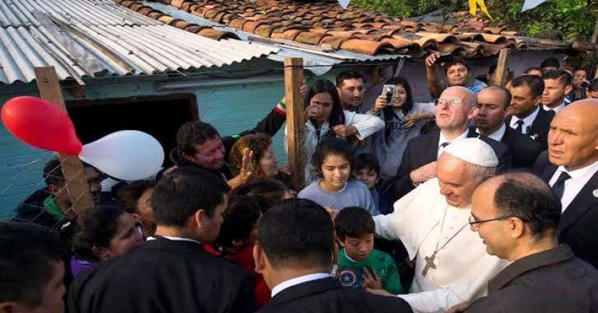 Papa posjetio siromašnu četvrt Asunciona