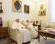 VIDEO: POGLEDAJTE SRDAČAN SUSRET PAPE FRANJE I BENEDIKTA XVI