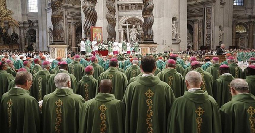 Papa na otvorenju Sinode: Crkva je pozvana ostvariti svoje poslanje u vjernosti, istini i ljubavi