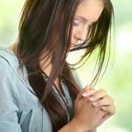 Kada se molimo Bog se zbližava sa našim srcem!