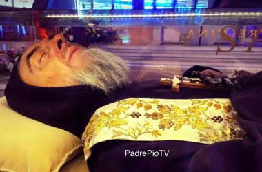 Znanost je začuđena dobro očuvanim tijelima svete Bernardice i svetog Padre Pia