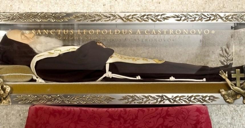 Tijelo sv. Leopolda Mandića dolazi u Hrvatsku