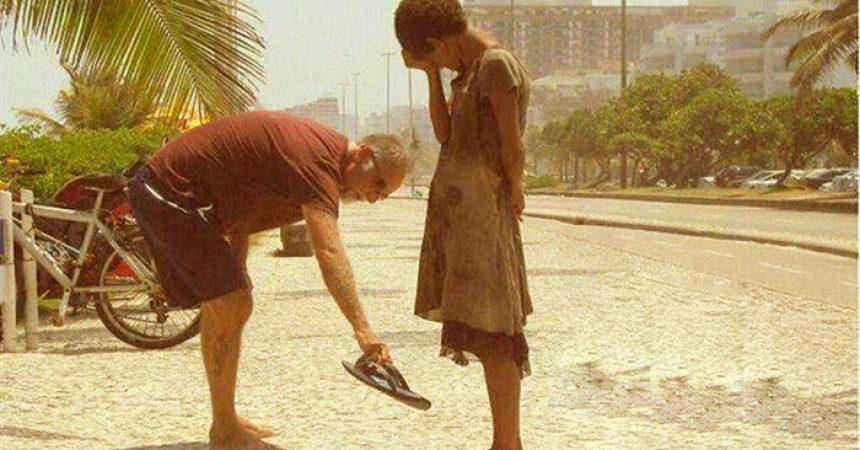 Ako pri svakoj usluzi prijatelju misliš na zahvalnost, onda nisi darovao nego prodao!