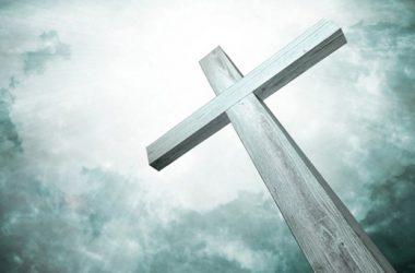 Poštuj križeve koje si na svojim ramenima nosio, oni su ojačali tvoja ramena!