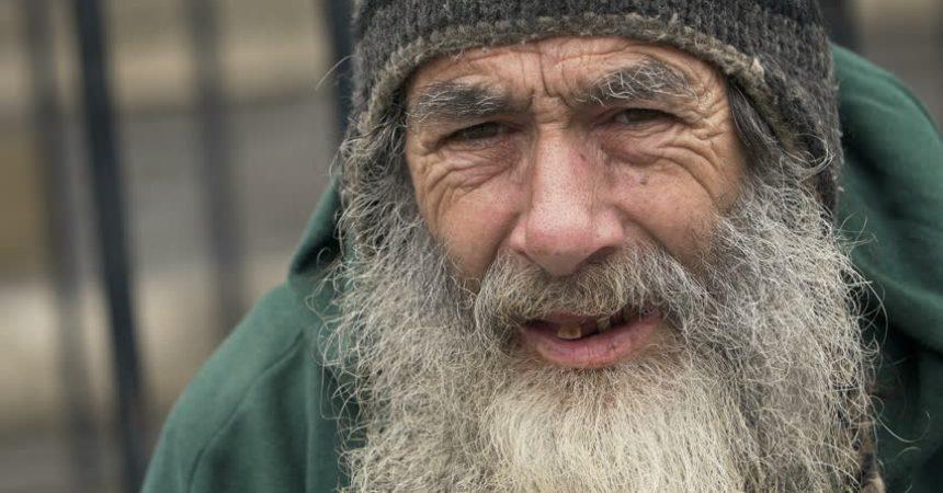 Kad su starca koji je bio zaražen korona virusom zamolili da plati cijenu za disanje na respiratoru…