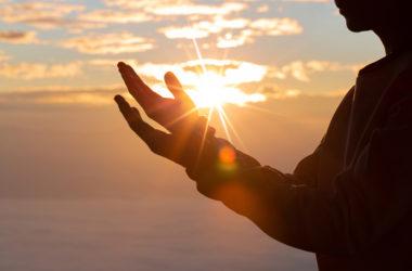 Kad izgubiš kontrolu nad situacijom to nije znak da se predaš, to je znak da predaš stvari u Božje ruke!