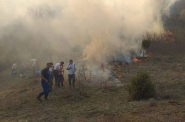 Muslimani gase požar da bi katolici mogli proslaviti Uskrs