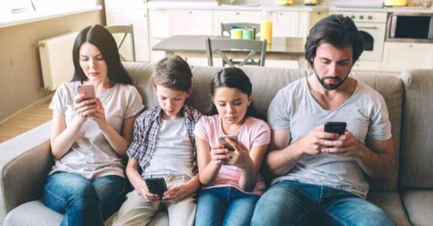 Robovanje mobitelima – bolest našeg vremena